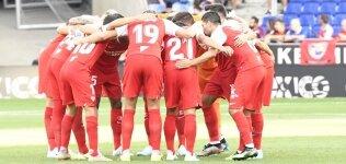 Sevilla, galibiyetle başladı