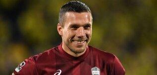 Podolski, vedasında şov yaptı