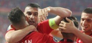 'Galatasaray'da oynamaya hazırım'