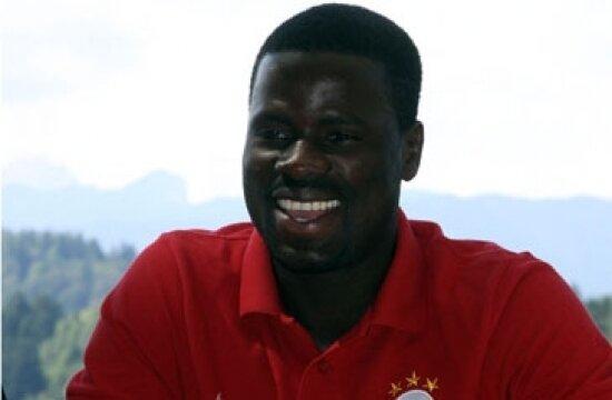Emmanuel Eboue korkuttu!