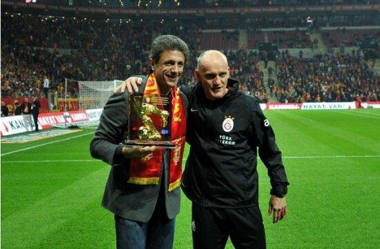 Popescu'dan Hagi'yi üzecek istek...