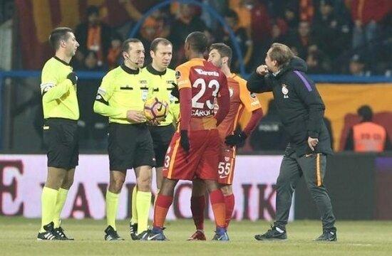 Ayhan Akman'dan Cüneyt Çakır'a tepki!