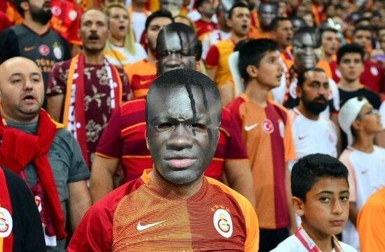 Galatasaray ve Gomis, ezeli rakiplerini solladı