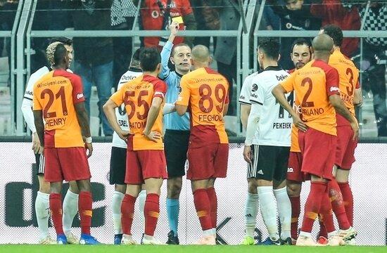 Galatasaray'da iki eksik daha!