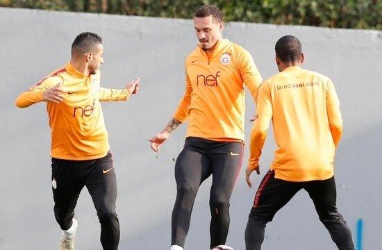 Galatasaray, Kayseri'ye 17 futbolcuyla gitti!