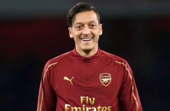 """Mesut Özil: """"Kariyerimi bitirmek istediğim kulüp..."""""""