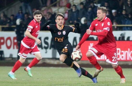 Galatasaray'ın genç yeteneklerinden Terim'e övgü dolu sözler