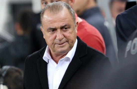 "Bülent Timurlenk: ""Sembolik yöneticiler var!"""