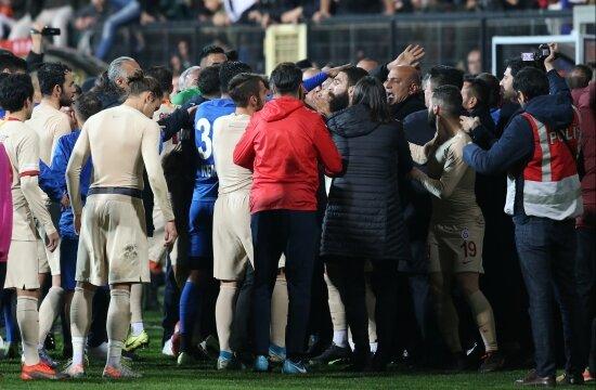 Tuzlaspor - G.Saray maçı için flaş karar