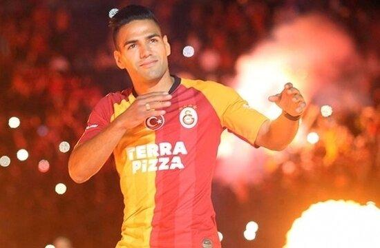 Radamel Falcao dönüyor!