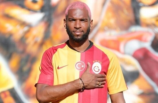 Bay vukuat Ryan Babel
