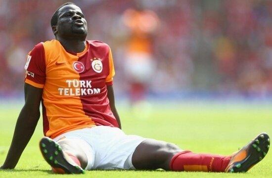 """Eboue: """"Beşiktaş taraftarı şişenin içne işeyip bana attı"""""""