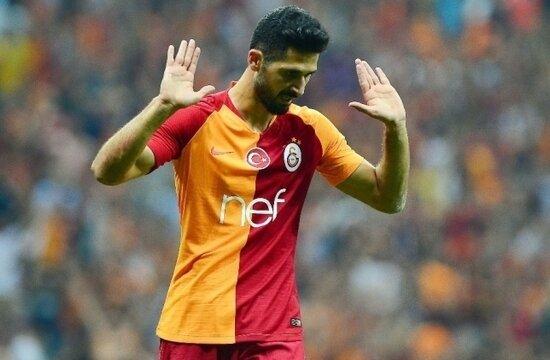 Galatasaray, Emre Akbaba'nın sözleşmesini donduruyor!