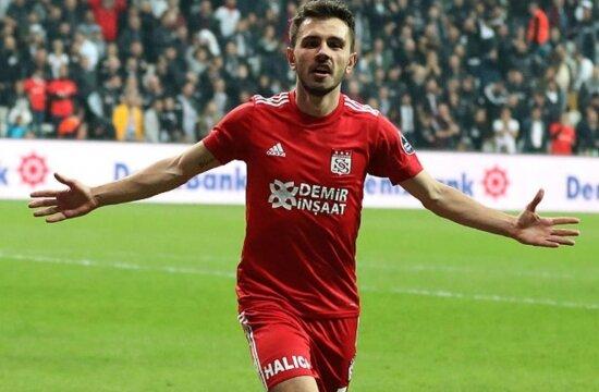 İki yıldızın menajeri İstanbul'a çağrıldı