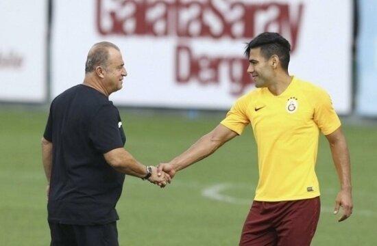 Galatasaray'da yeni transferler, Cuma sahada olacak mı?