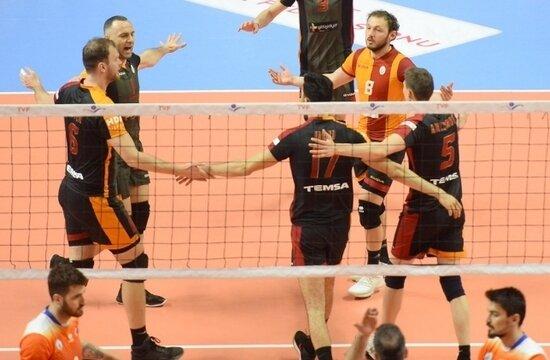 Galatasaray, voleybolda yarı finalde!