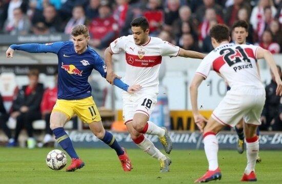 """Ozan Kabak, Bundesliga'da """"yılın genç oyuncusu"""" adayı"""