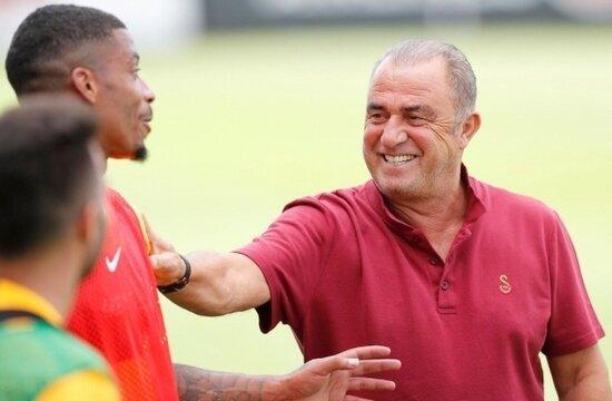 Galatasaray'da futbolculardan Fatih Terim'e söz