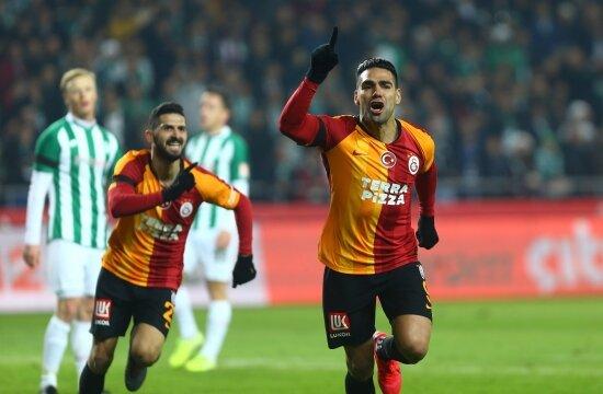 Galatasaray 3 puanı aldı, 2 yıldızı sakatlandı!