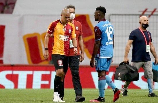 """Galatasaray'dan Feghouli'ye """"kırmızı"""" cezası!"""