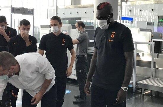 Galatasaray, eksik kadroyla Bakü'de