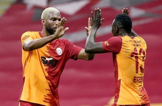 Galatasaray'ın 2021'de ilk transferi Ryan Babel
