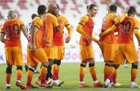 Galatasaray gümbür gümbür geliyor!