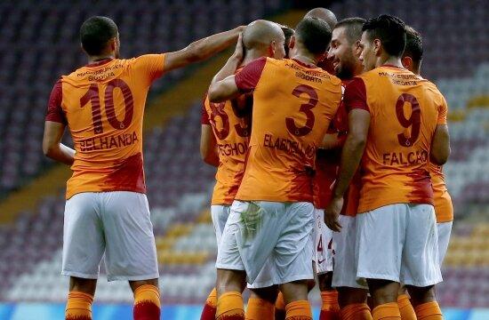 İlk haftanın yıldızı Galatasaray