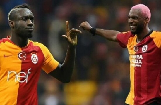 Katar'dan Ryan Babel ve Mbaye Diagne teklifi