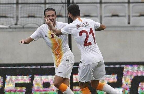 Galatasaray'da gençlerin gözü Fatih Terim'de