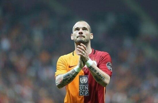 Wesley Sneijder, sahalara geri döndü!