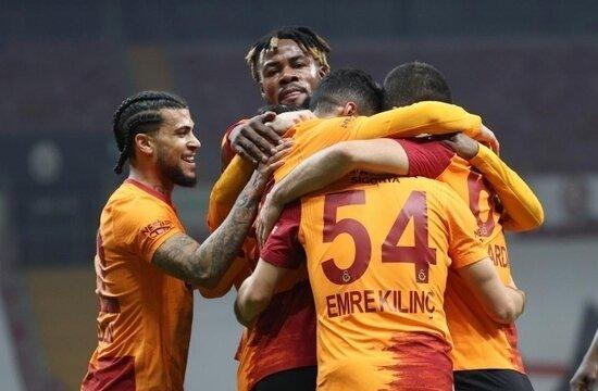 Galatasaray, Beşiktaş'ın 61 yıllık rekoruna göz dikti!