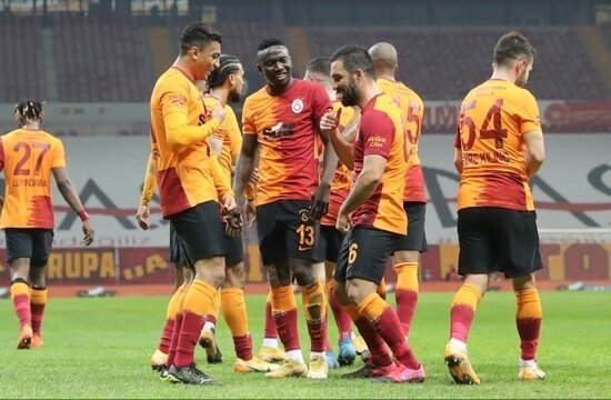 """Fatih Terim, """"HERKESİ"""" Ankara'ya götürdü"""