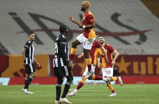 Beşiktaş kazanamıyor, Galatasaray gol yemiyor