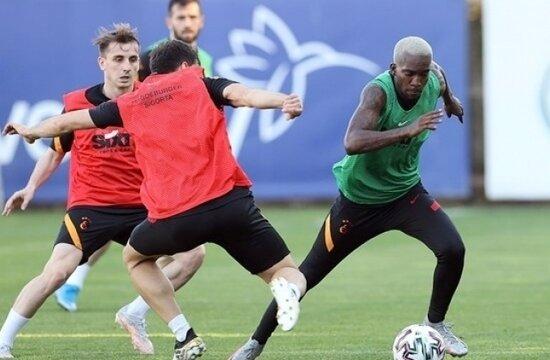 Galatasaray'da Henry Onyekuru döndü