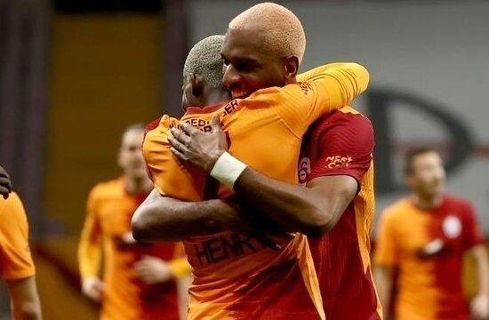 Galatasaray'da Falcao ve Muhammed out, Babel in