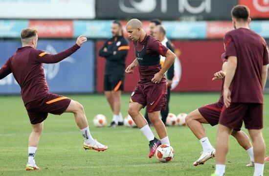 Galatasaray'da Lazio öncesi sevindiren 2 haber!