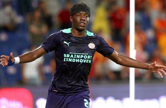 """Madueke: """"Galatasaray'a karşı oynamak gurur verici"""""""
