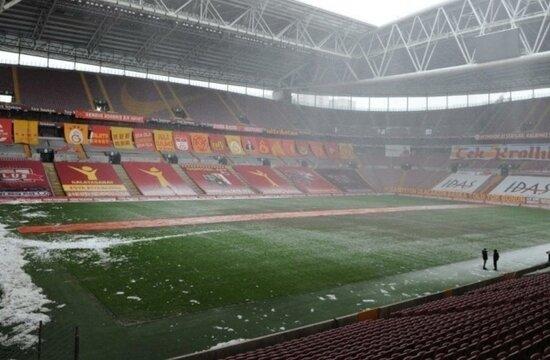 Galatasaray'da stadyuma yoğun bakım!
