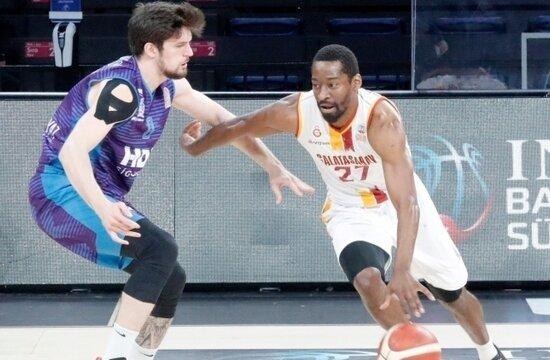Galatasaray, Afyon Belediye'ye 40 sayı fark attı