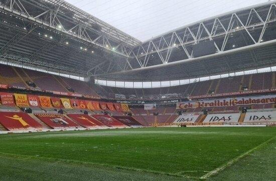 Türk Telekom Stadı'nın zeminde yoğun çalışma var