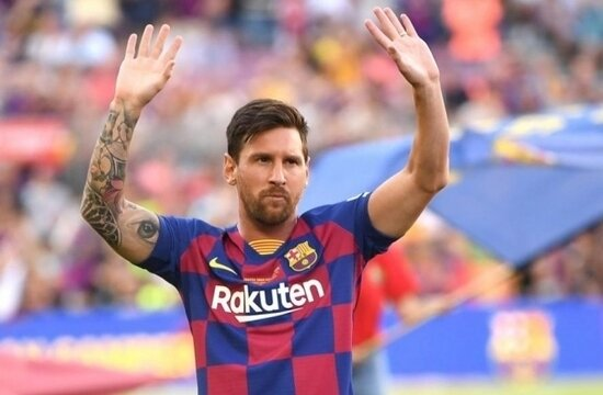 Lionel Messi, Barcelona'da kalıyor